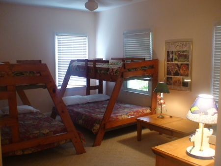 Bedroom (2 bunk beds: each with double on bottom and twin on top)