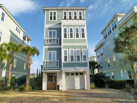 Downtown Isle of Palms -Private Heated Pool, Oceanview, Roof Top Deck