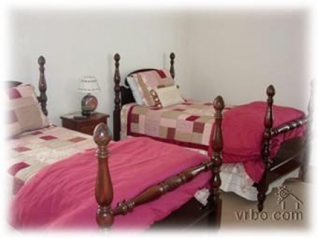 2 Twin Beds (sharing bathroom w/King Bedroom) 1st Floor, (also next door to 1/2 bath)