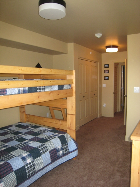 Extra Bedroom with two closets on each side